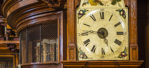 Featured image Types of Antiques to Look out for at Vintage Festivals Old Clocks - Types of Antiques to Look out for at Vintage Festivals